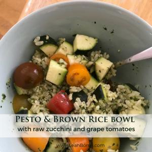 #pesto #spinachpesto #ricebowl #easypestorecipe #easylunch #easyhealthyrecipes #easyhealthymeals